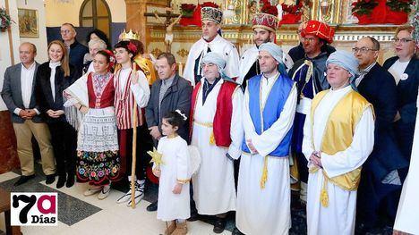 VÍDEO/FOTOS Los Reyes Magos cumplen con su cita en El Berro
