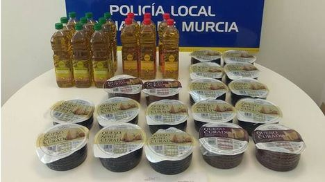 La Policía recupera 200 euros en productos de supermercados robados