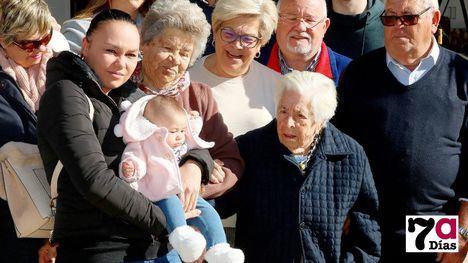 VÍDEO/FOTOS Elisa Márquez cumple 104 años rodeada de amor