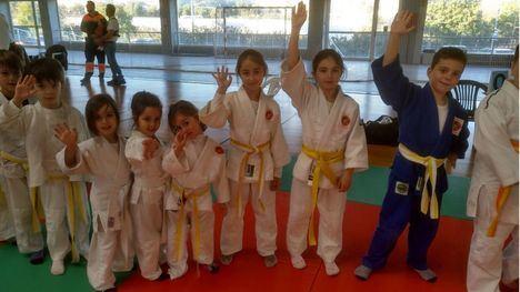 FOTOS Excelente papel de 16 judokas alhameños en Lorca