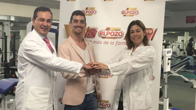 ElPozo felicita a Javier Fernández, imagen de BienStar, por su 7º oro