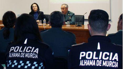 La Guardia Civil forma a policías de Alhama en Violencia de Género