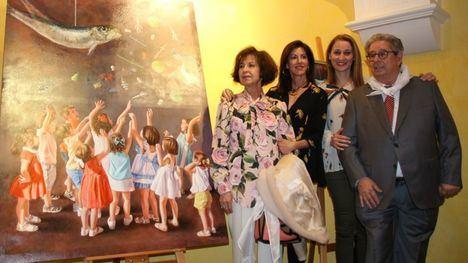 Perla Fuertes presenta su colorido cartel del Entierro de la Sardina