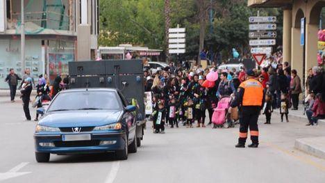 Cambios de tráfico y parada de autobús por el desfile de Carnaval
