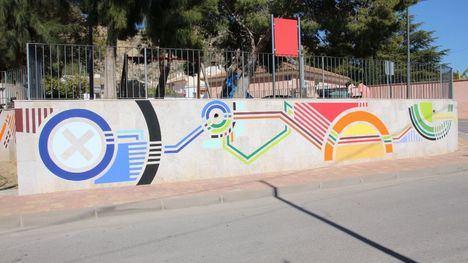 VÍDEO/FOTO Un nuevo mural decora el jardín de Nochebuena