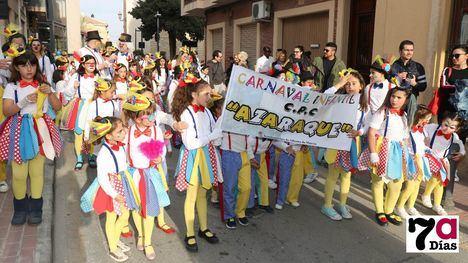 VÍDEO/FOTO La alegría del circo, de la mano del colegio Azaraque