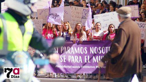 VÍDEO/FOTOS Gritos de igualdad recorren el centro de Alhama