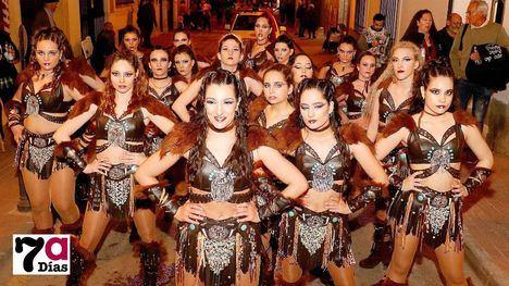 VÍDEO/FOTOS El Carnaval atrae al desfile el talento foráneo