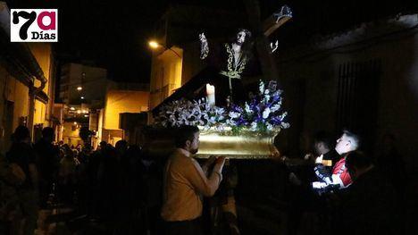 FOTOS Via Crucis con gran recogimiento del Cristo de la Misericordia