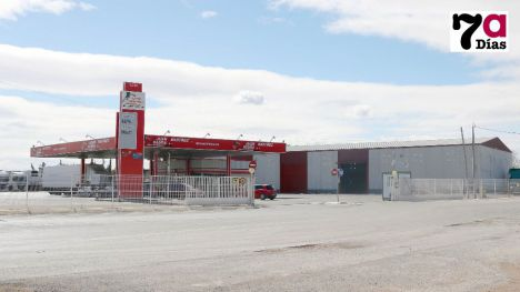 Dos encapuchados con pistolas roban 1.000 euros en una gasolinera