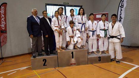 FOTOS 13 medallas para Alhama en los regionales de Judo