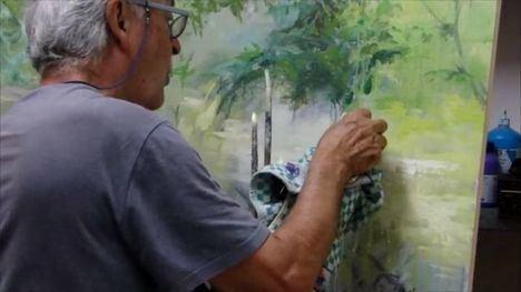 VÍDEO Almagro, con sus pinturas, frente al lienzo en blanco