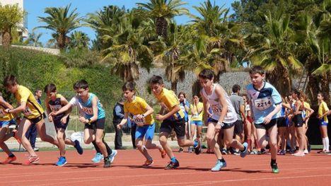 Tres jóvenes atletas regresan de Murcia con cuatro victorias