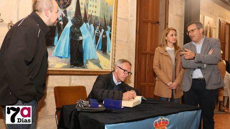 FOT. El ministro Guirao se suma a la Semana Santa de Alhama