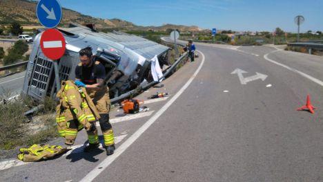 VÍDEO El transportista accidentado, con lesiones 'sin gravedad'