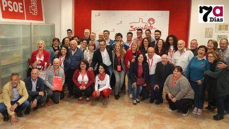 VÍDEO y FOTOS Conesa celebra con el PSOE de Alhama el éxito del 28A