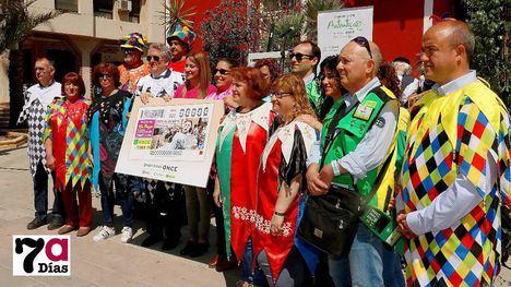 VÍDEO/FOT. Los Mayos viajan por toda España en el cupón de la ONCE