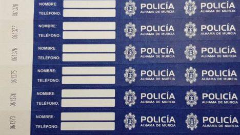 La Policía aconseja poner estas pulseras a nuestros hijos