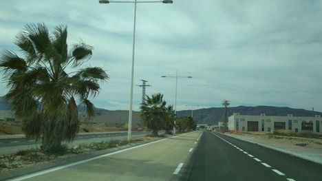 Abierto al tráfico el nuevo vial de Parque Industrial