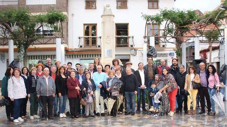 FOTOS Los corremayos mayores se encuentran con sus mayos