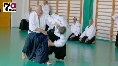 FOTOS El aikido regional se cita en Alhama por los Mayos
