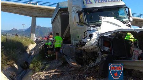 2 fallecidos y 6 heridos en un grave accidente en la A30 en Cieza