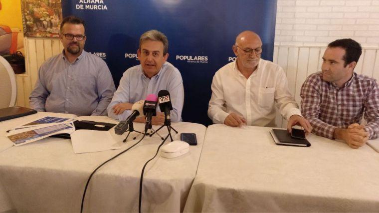 De iz. a dcha., José Otón, José Antonio Fernández Lladó, Luis Antonio Franco y Diego José Águila, en la rueda de prensa ofrecida esta mañana.