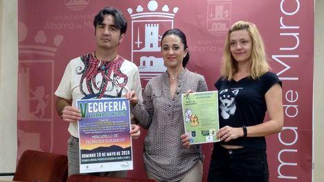 Pedro Casamayor (La Almajara), la concejala Nani Navarro y Karina Kulka (Peludines Alhama).