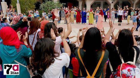 FOTOS Diversidad y diálogo cultural, en la Plaza de la Constitución