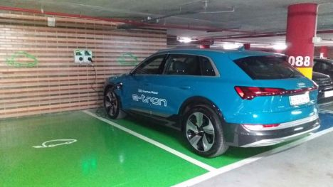 Agalia y Azarbe instalan puntos de recarga para vehículos eléctricos