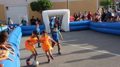 FOT. Tarde de diversión en el Fútbol 3x3 de los Deportimayos