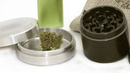 Multas de 601 euros al ser sorprendidos con cannabis