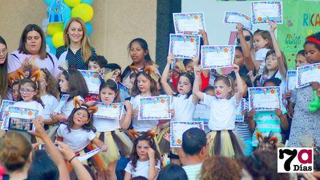 FOTOS Espectacular fin de curso de los niños de 'Un ratito más'