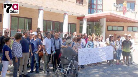 VÍD. PSOE e IU apoyan las demandas en la Residencia de Mayores