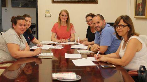 El Ayuntamiento destina unos 30.000 euros al programa 'Un ratito más'