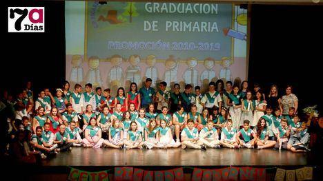VÍDEO y FOTOS Adiós con emoción y cariño al colegio de toda una vida