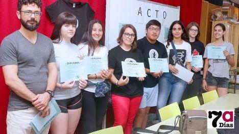 FOTOS Homenaje del Miguel Hernández a los alumnos más activos