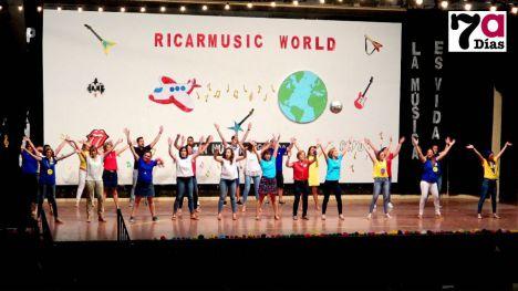 VÍDEO Maestros y niños del R. Codorníu exhiben sus dotes para el baile