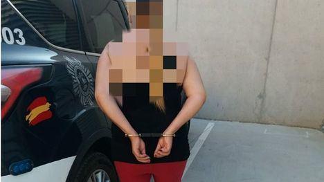 Una mujer de 46 años, detenida por robar a un anciano en plena calle