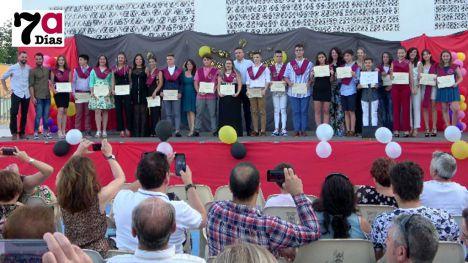 VÍDEO Se gradúan los primeros alumnos de la ESO del Azaraque