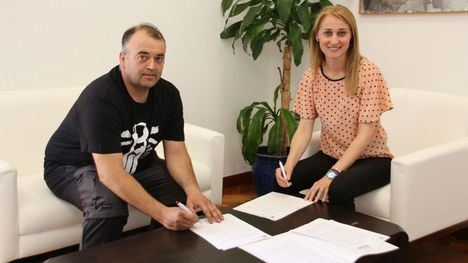 El Consistorio renueva su convenio con el Moto Club Alhama