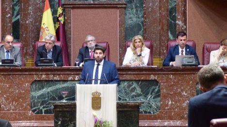 PSOE, Vox y Podemos votan 'no' al líder popular López Miras
