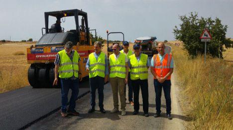 El Gobierno regional mejora la carretera de Corvera a C. de Reyllo