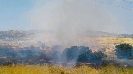 Sofocan un incendio de matorral en Cabezo Negro en Librilla