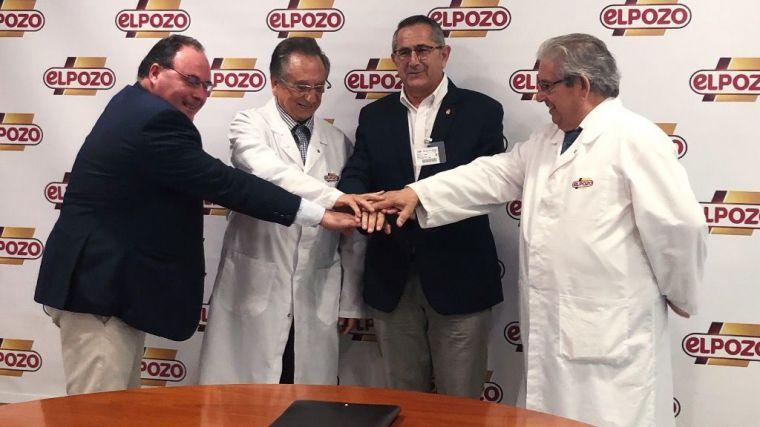 Presidente y secretario de la Fundación Cante de las Minas, Pedro López y Juan Carlos Albaladejo junto al presidente y consejero delegado de ELPOZO ALIMENTACIÓN, Tomás y José Fuertes.