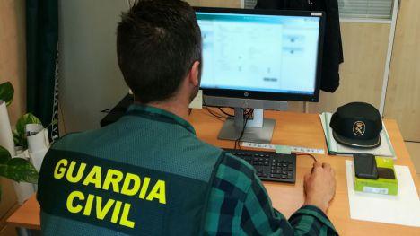 Detenida una murciana por estafar 6.000 euros por Internet
