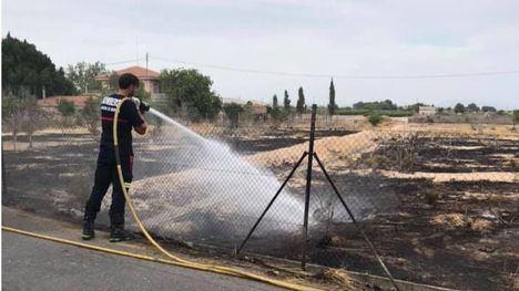 Extinguidos dos incendios registrados el mismo día en Librilla