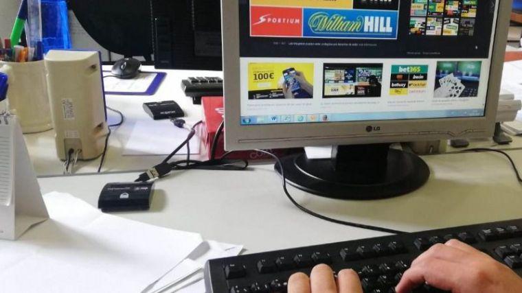 Totana pide una ley 'a la italiana' de control de publicidad de casinos
