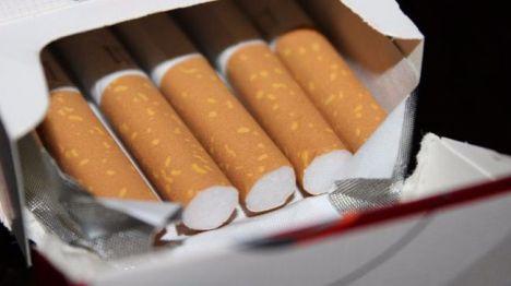 Denunciado por llevar 'maría' oculta en un paquete de tabaco