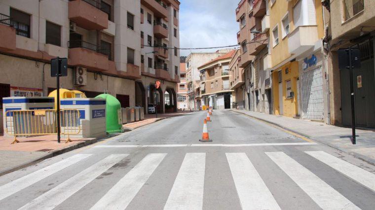 La calle Tomás Moro, de doble sentido durante las obras en Postigos